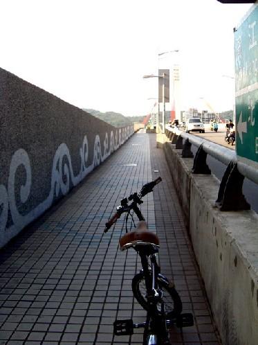 20080908孔明車與路影跡10.JPG