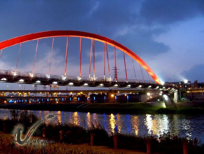 2008-09-09孔明車迎風觀山河濱公園61.JPG